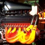 Sistema de escape incandescente em um teste do motor