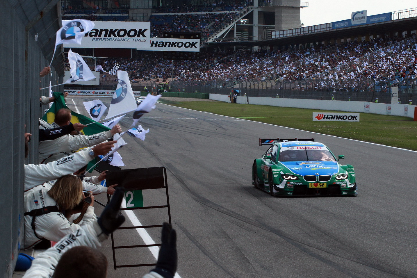 Farfus DTM finish