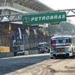 Salustiano leva o troféu da Truck em Interlagos